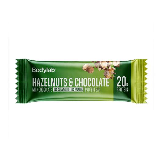 Proteinska čokoladica Bodylab u zelenoj ambalaži okusa lješnjaka i čokolade od 55 grama