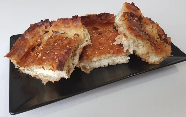 Grčka fit tiropita - tradicionalna grčka pita u fit receptu!