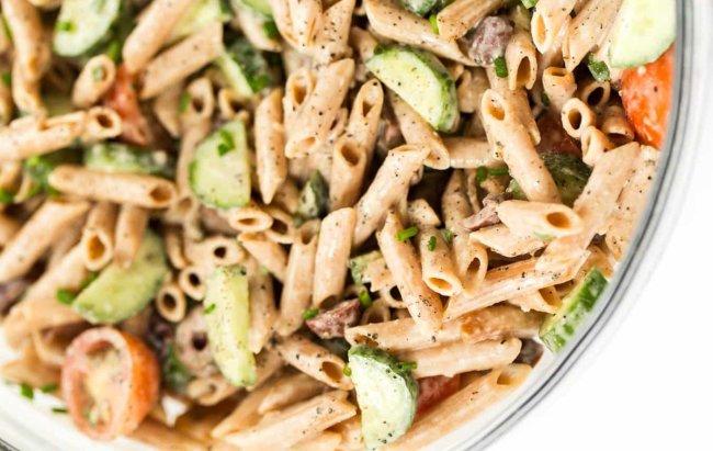 Salata s paštom u mediteranskom izdanju za proteinki ručak!