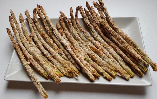FIT SNACK: Hrskave pohane šparoge za grickanje, pogledaj recept!