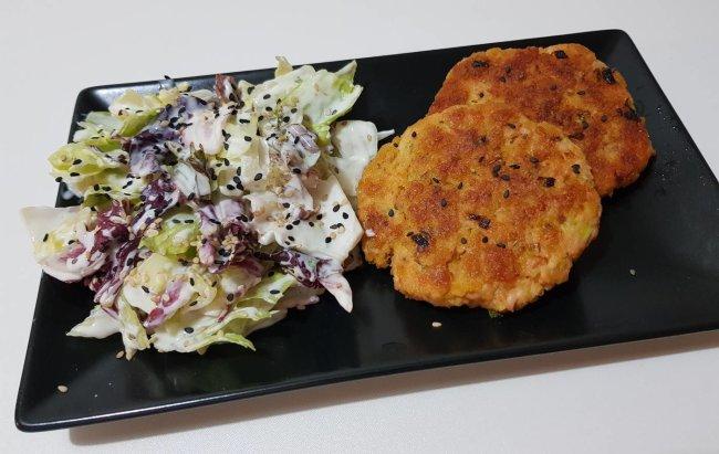 Popečci od lososa s hladnom salatom! Recept na linku!