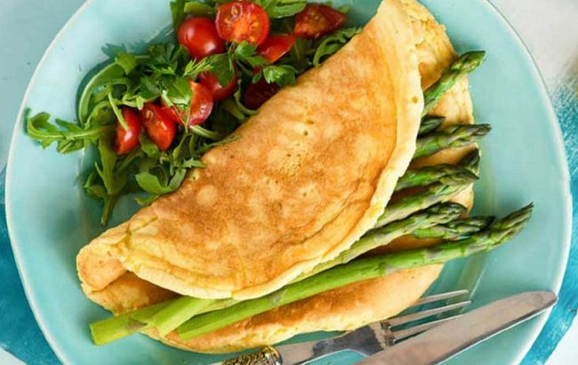 Omlet sa šparogama za proteinsko jutro!