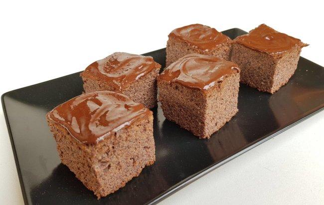 Kolač i mak daju kombinaciju mrak! Recept za proteinski kolač na linku.