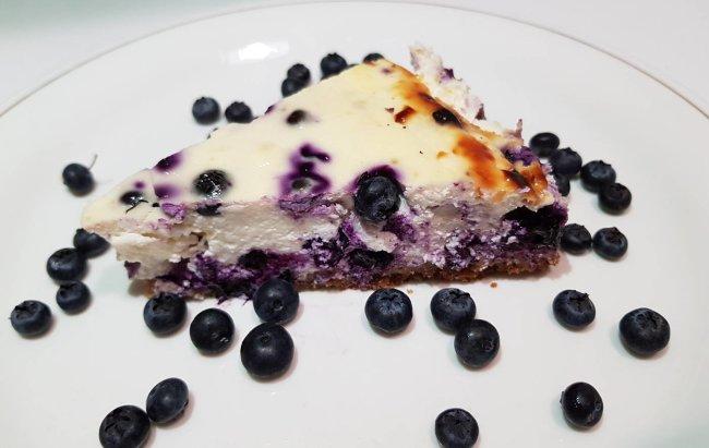 Recept za proteinski cheesecake s borovnicama koji oduševljava!