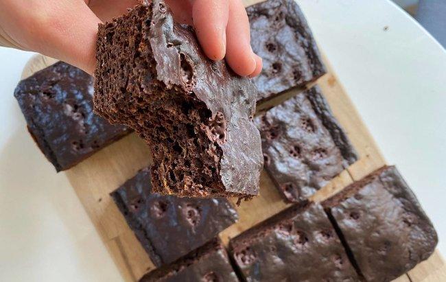 Proteinski CHOCO brownie bez brašna, recept te čeka klikom na link.