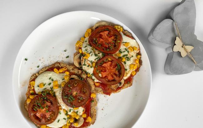 Mini pizze bez imalo grižnje savjesti! 🍕 Recept tge čeka klikom na link.