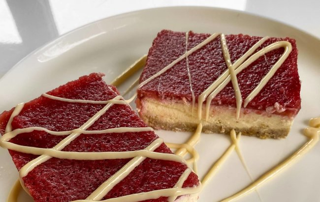 Proteinski cheesecake s trešnjama u nikad finijem izdanju! Recept te čeka klikom na link.
