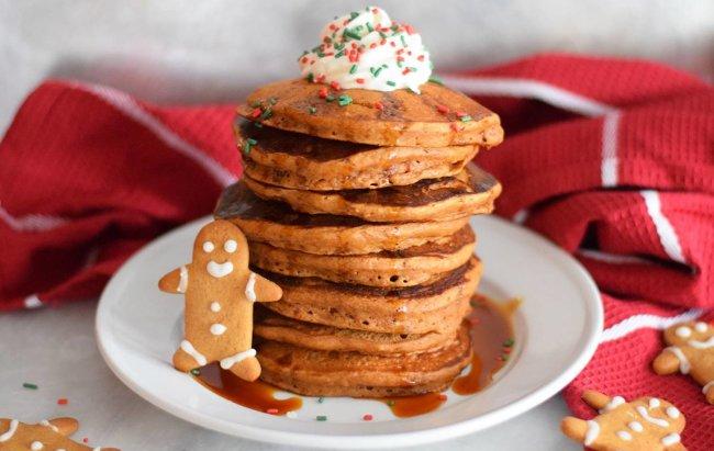 Ovaj FIT desert miriši na Božić: Medenjak palačinke!