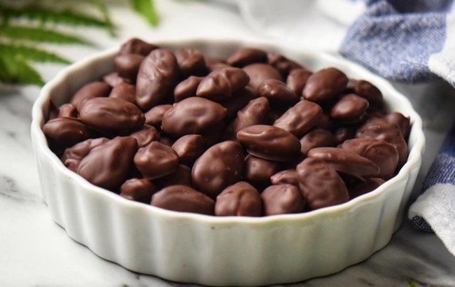 Ne može lakše od 2 sastojka, bademi u čokoladi!