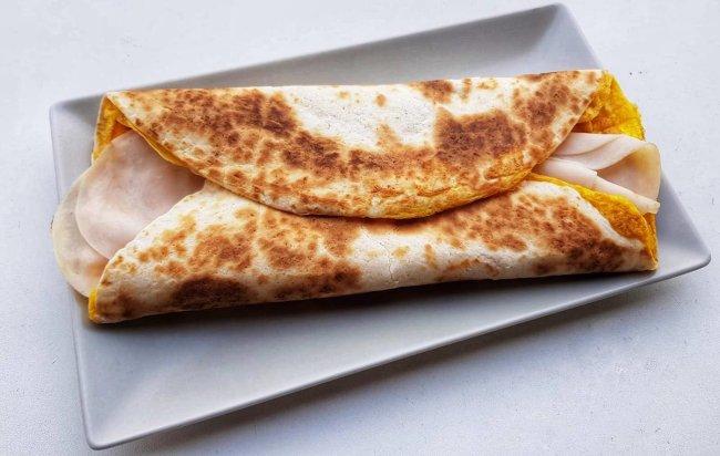 FIT doručak za 5 minuta Kajgana u tortilji 🍳🌯