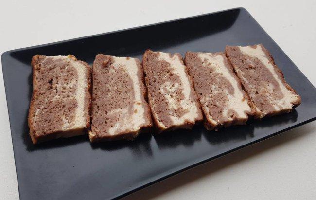 Slatki recept za proteinski brownie-cheesecake