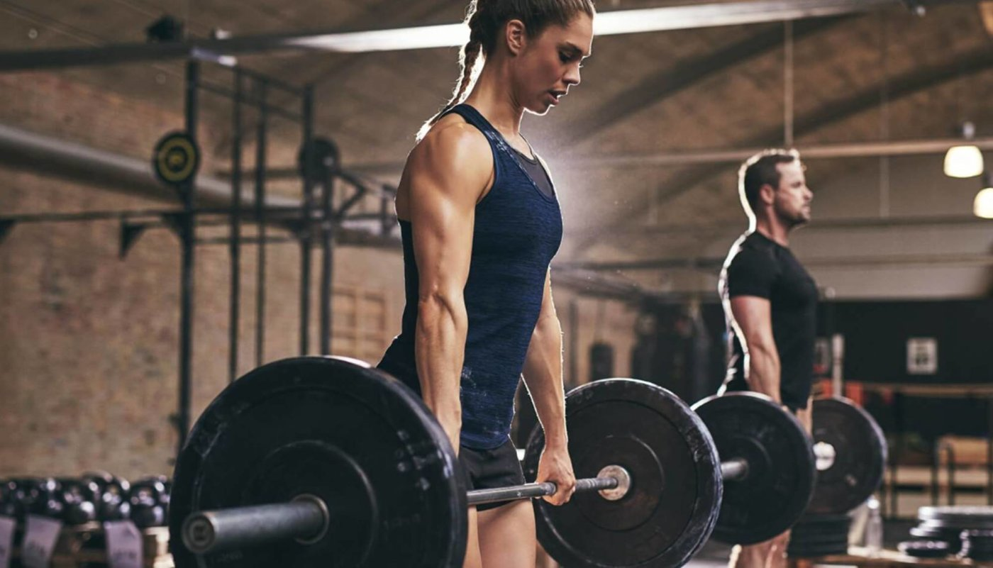 Samo 4 vježbe šipkom s utezima koje su vam potrebne za snažna leđa!