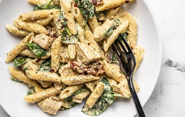 Kremasti #fit ručak: Pesto tjestenina s piletinom