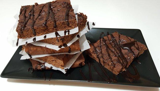 Jednostavni proteinski keksi za čokoladni užitak! Pogledajte recept!